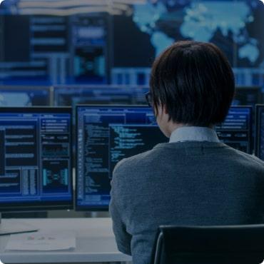 Програму розробляють:  ● досвідчені програмісти  ● практикуючі бухгалтери при активній участі реальних товарознавців, касирів, комірників.